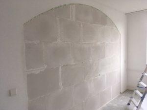 Wand dicht maken en deur plaatsen