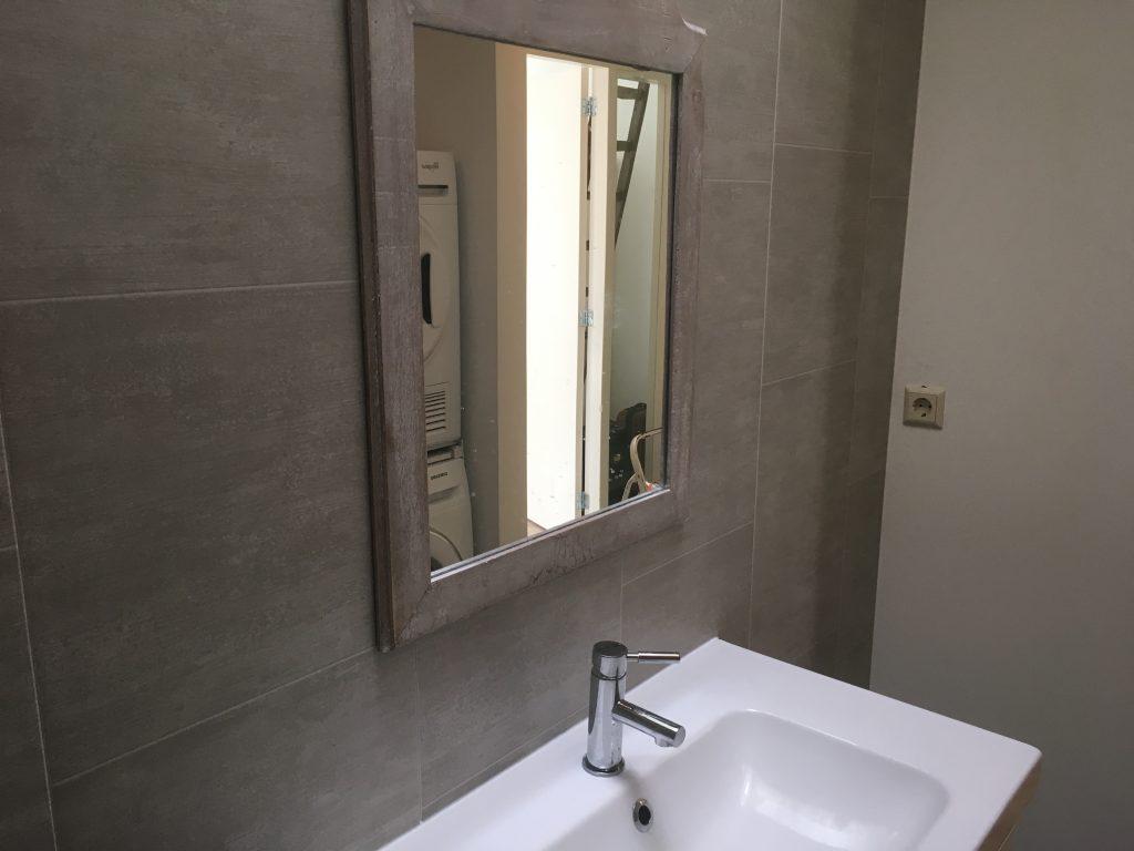 Badkamerwand van kunststof
