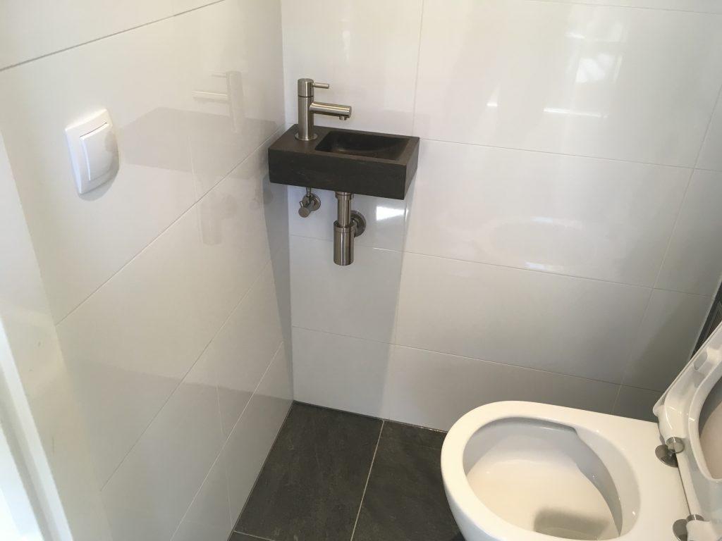 Tsbkaartjes De Kaartjes : Hangend toilet kleine modern interieur hangend toilet badkamer